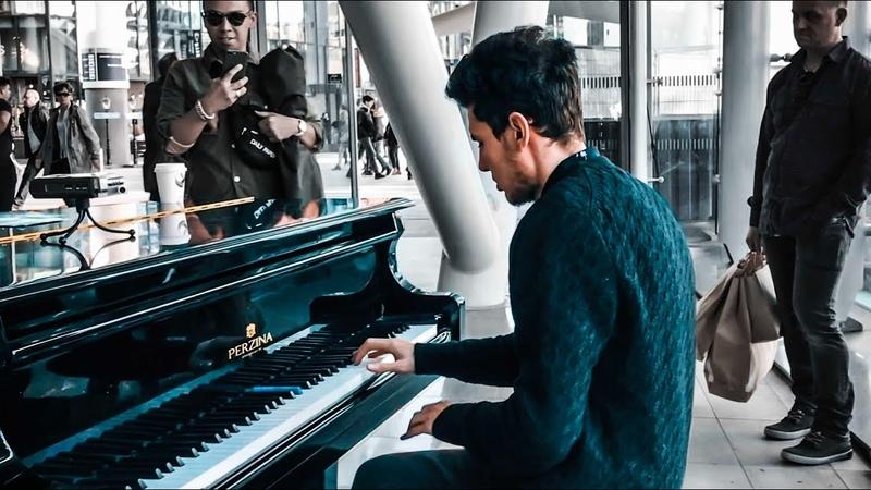 POP PIANO MEDLEY Pt. 1 2000s at Utrecht Train Station THOMAS KRÜGER