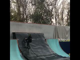 Gucci flips flops