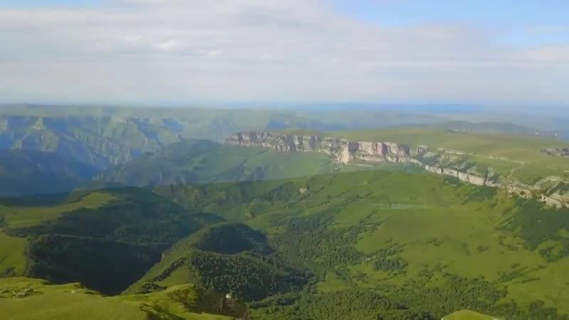 Езда на конях кабардинской породы в Кабардино - Балкарии. Expedition Cheval Caucase. В таком красивом месте природы живём.