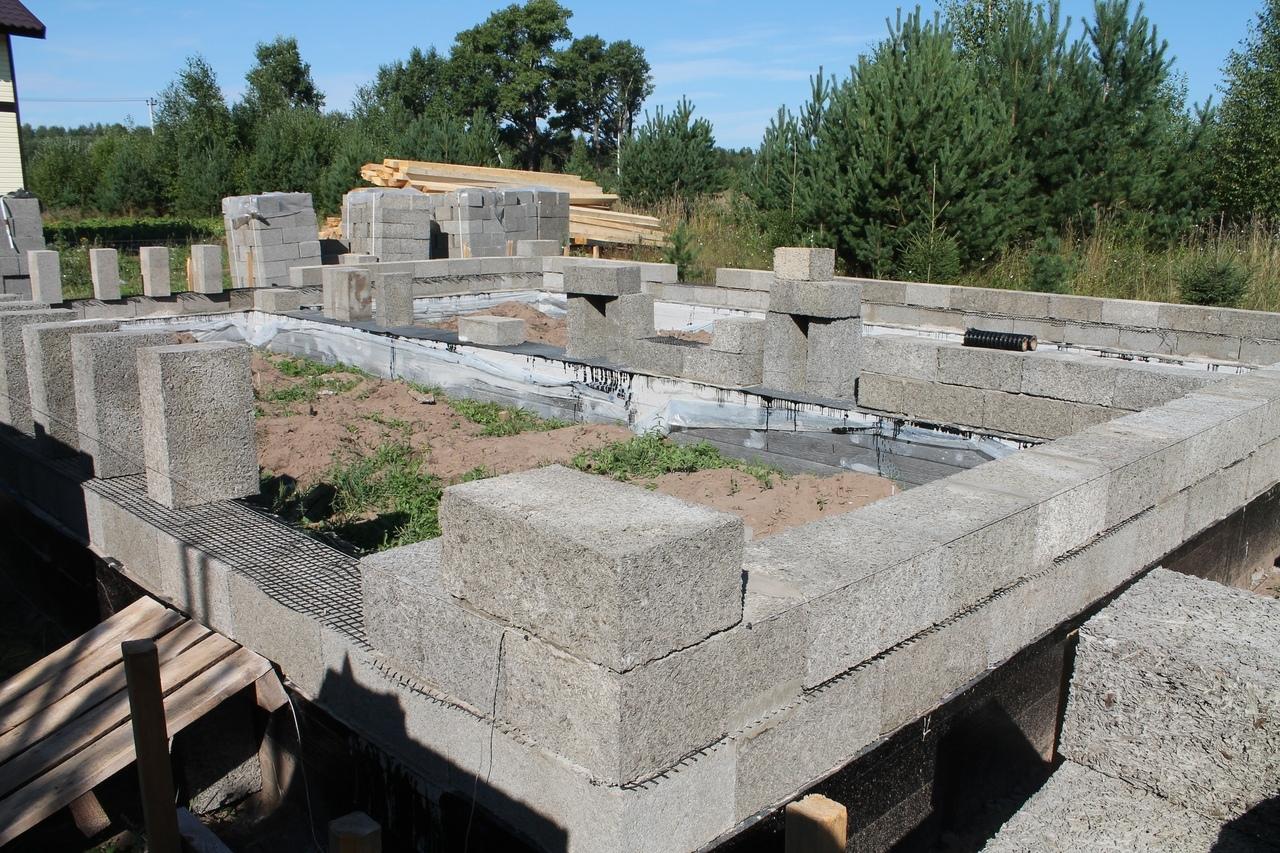 Как мы строим: небольшой и уютный дом с из арболитовых блоков в Кировской области