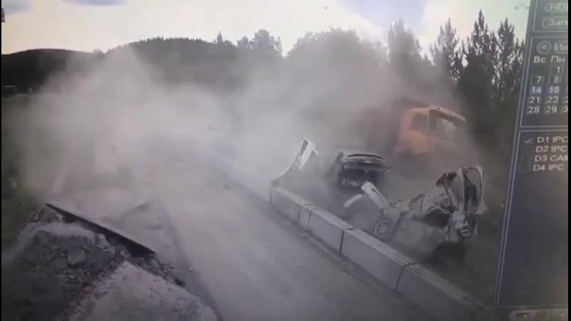 Китайский самосвал совершил ДТП под Челябинском
