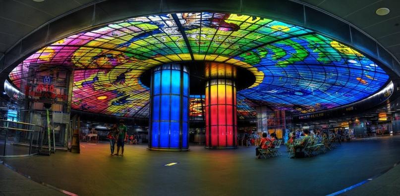 ТОП самых красивых метро, изображение №29