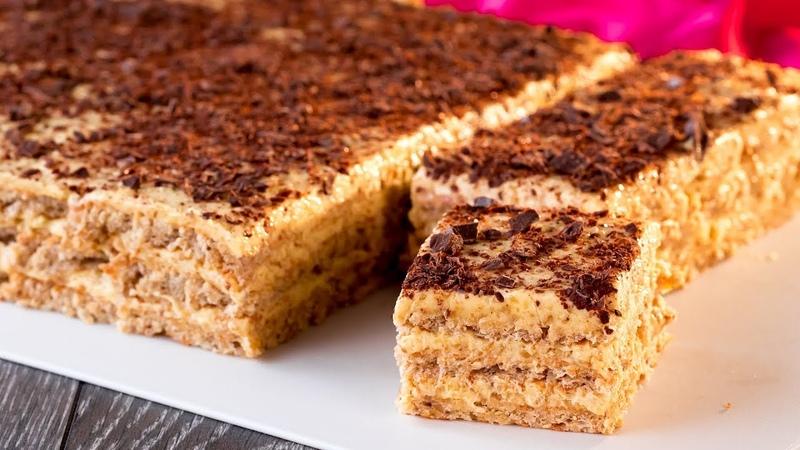 Небрежно посыпьте последний слой крема тертым шоколадом и…та да Торт готов