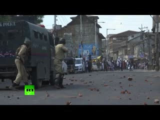 Protesters clash with police in kashmir on jerusalem day
