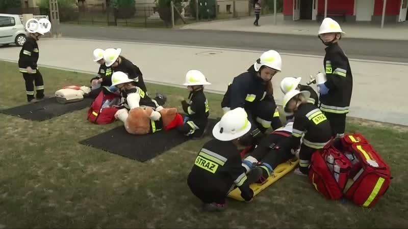 Пожарная бригада из девочек