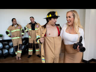 Brandi Love - Red-Hot Calendar Shoot  [2020 г., Athletic, Big Tits, Big Tits Worship, Blonde, Bubble Butt, Caucasian]