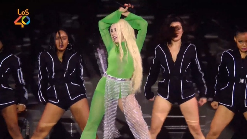 Ava Max ~ Sweet but Psycho (Los 40 Music Awards 2019 | Gala en Directo)
