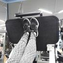 Постановка ног при жиме платформы: При стандартной постановке ног одинаково прорабатываются все груп