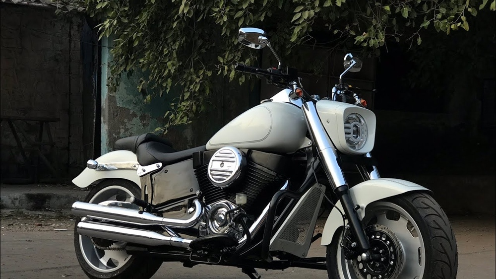 Royal Enfield в форме Harley-Davidson Fat Boy
