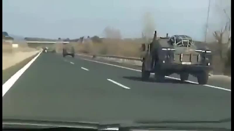 La Grèce envoie des camions militaires pour protéger ses frontières soutien total à la Grèce