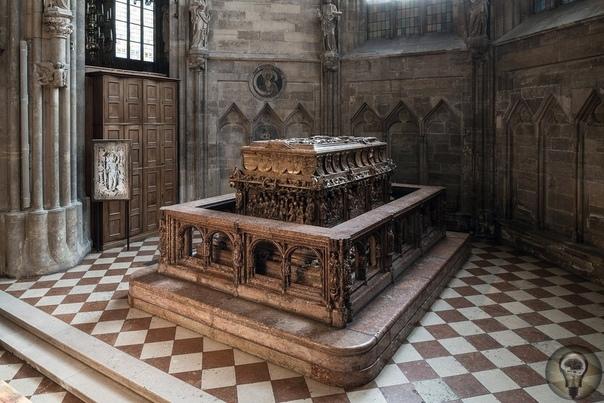 Исследования нетронутой гробницы германского императора Фридриха III