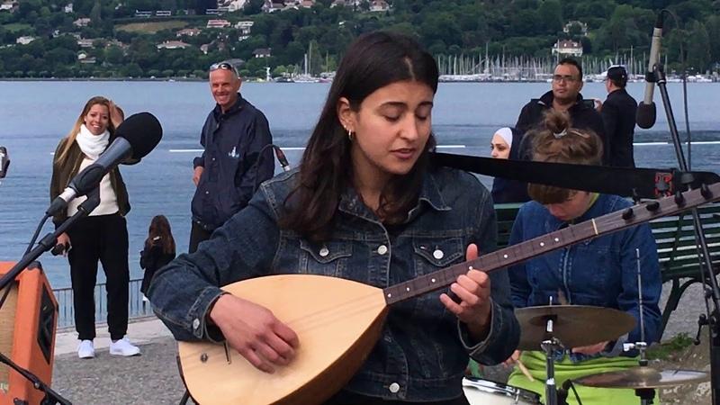Derya Yildirim Grup Simsek Nem Kaldi live à Ecoutes au vert 1 07 17 Bains des Pâquis Genève
