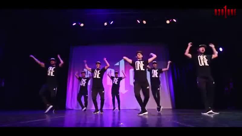 R3D ZONE Dance Crew (Daddy, Dessert, 7-11, Tennis Court, Transformers Intro).mp4