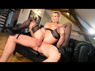 Momxxx russian milf romanced in stockings / subil arch