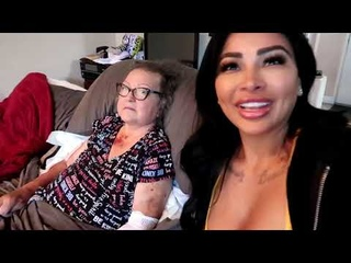 Brittanya Razavi shares a candid video about her mothers battle with Cancer💔