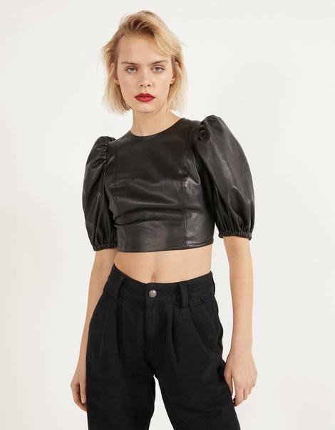 Блуза из искусственной кожи с объемными рукавами