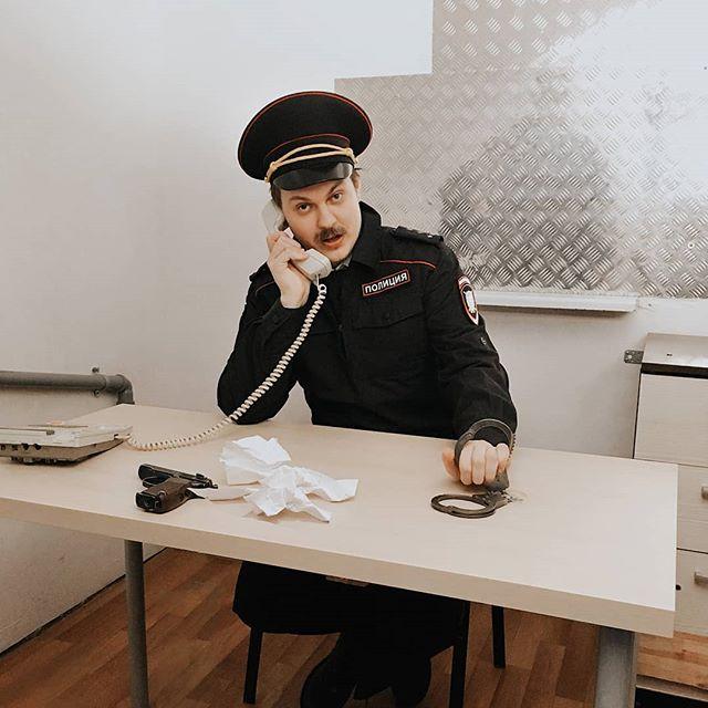 Юрий Хованский: Вы его взяли? Как не взяли?! Чтоб без бухла в отделение не возвращались!