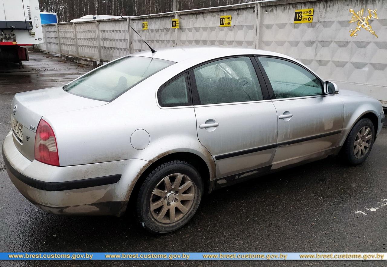 Житель Брестского района менял на авто регистрационные знаки и вгонял их в страну. Изъяли