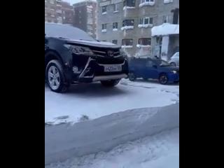 Когда проигнорировал просьбу убрать автомобиль для уборки снега