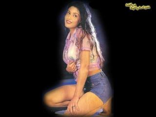 Neha Vajpayee scenes and belly