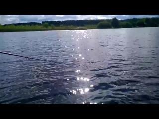 Кама. Утро. Самый счастливый - это рыбак.