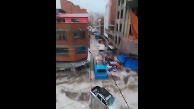 Ливневый паводок в Сукре