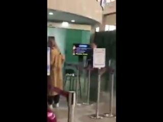 [FANCAMS] 171112 CL в аэропорту Инчон, улетает в Японию (?)