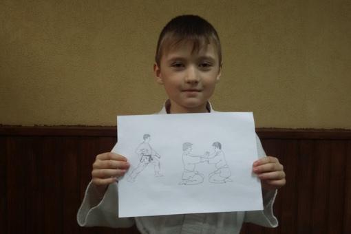 Кайдалов Илья. На тренировке. Бумага, карандаш.
