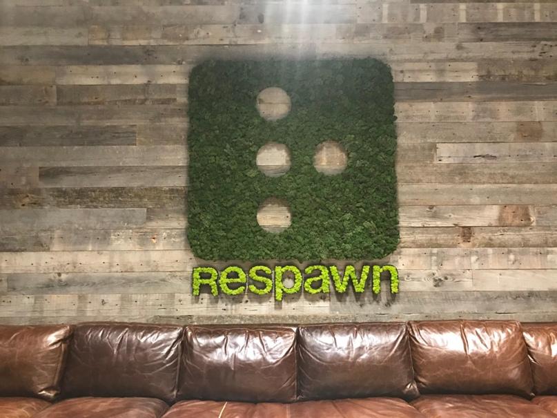 Добро пожаловать в Respawn! Это место рядом с вестибюлем — вы можете узнать его из анонса Apex Legends.
