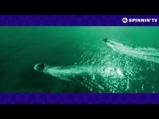 Ryan Riback  REED - Papercuts (feat. Sunset City) [Official Lyric Video] выебли толпой в лодке