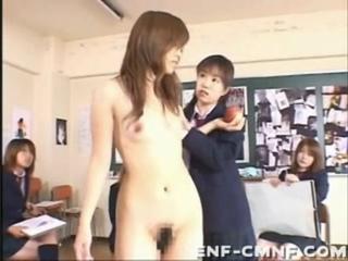 ENF, CFNF, OON – стеснительную училку из Японии заставляют раздеться и позировать голой перед арт-классом