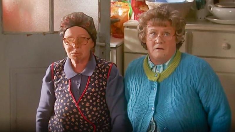 S02E05 Мальчики миссис Браун Mrs Brown's Boys 2012