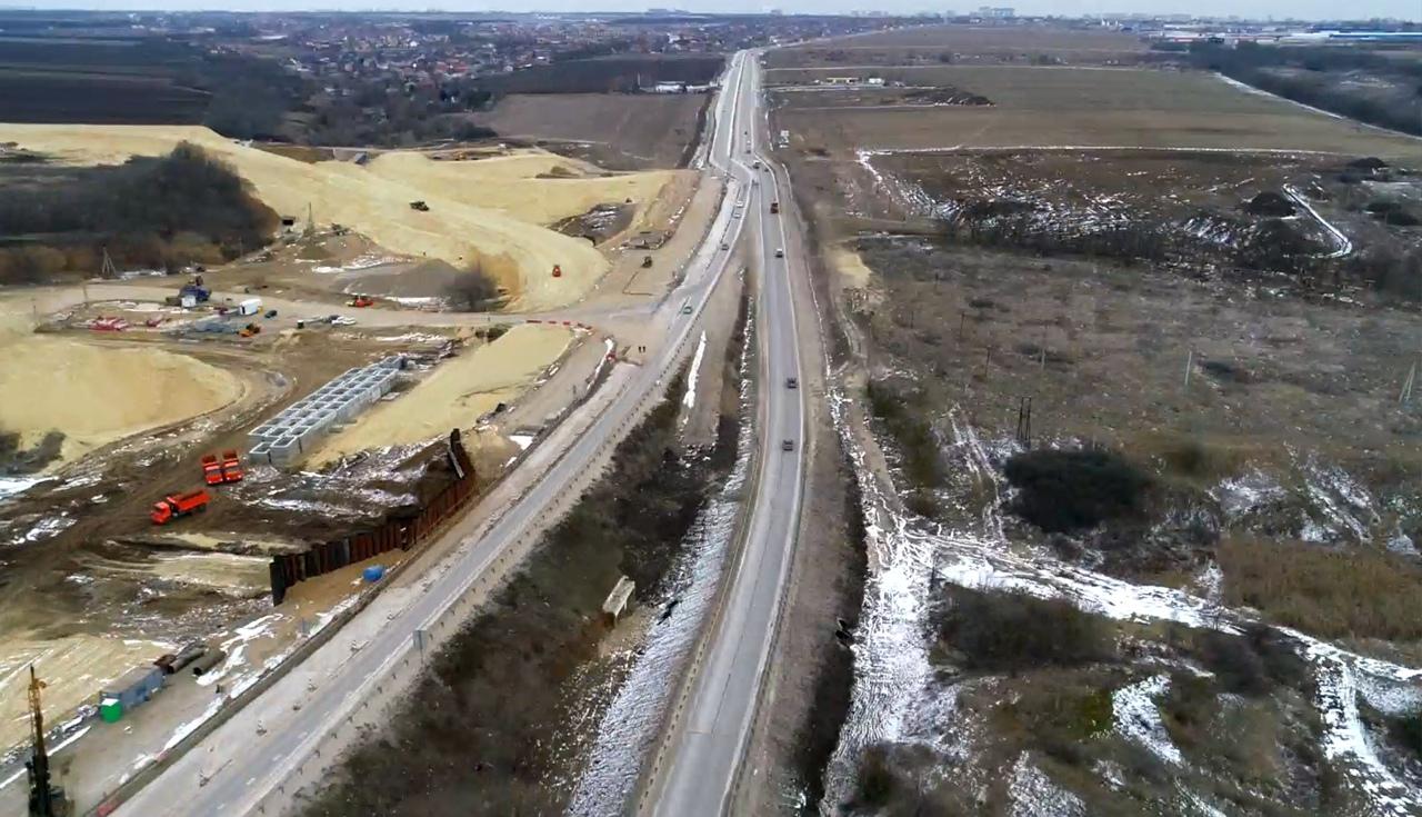 На трассе Ростов-Таганрог изменится схема движения транспорта в связи со строительством новой развязки