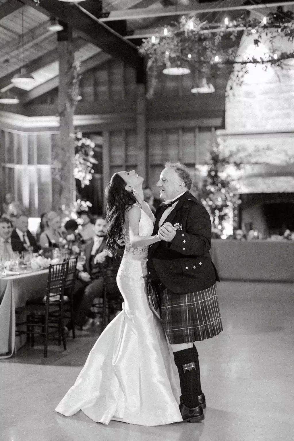 3rPAn8bpXCk - Как найти веселого ведущего на свою свадьбу