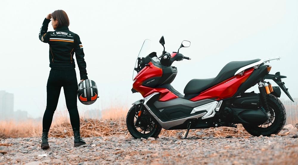 Китайский скутер Dayang 350 ADV