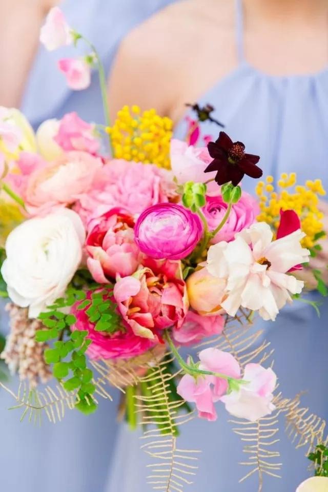 MLnf5U4Jp5E - Букет невесты из тюльпанов