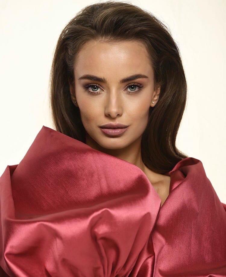 Bachelorette Ukraine - Season 1 - Ksenia Mishina - Episode Discussion - *Sleuthing Spoilers* - Page 3 BVWcIbxVTok