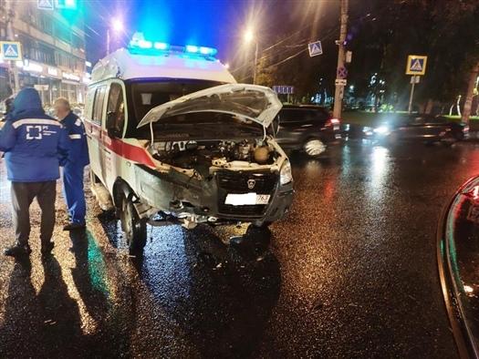 В Самаре молодой водитель спровоцировал ДТП со
