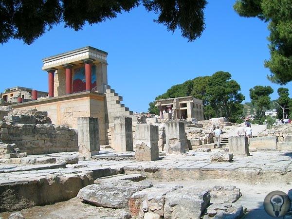 Не утонет корабль рогоносца-царя С островом Крит, по форме напоминающим корабль, связано множество самых древних мифов и легенд. И у каждой из них есть здесь свой молчаливый каменный