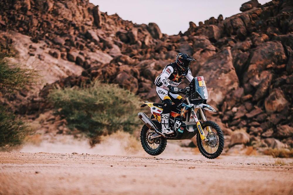 Ралли Дакар 2021: Сэм Сандерленд выиграл 11-й этап
