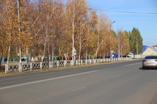 На проспекте Новом продолжается установка пешеходн...