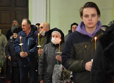 Паства и братия простились с настоятелем храма в Липецком районе