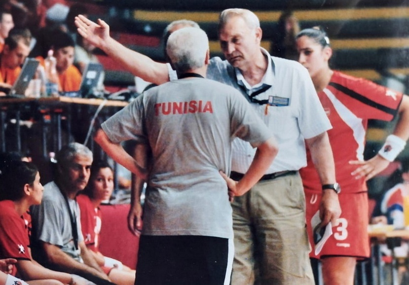 Завороженный Кожухов. Был любим, ломал носы лучшим игрокам страны и стал чиновником, уважаемым всеми, изображение №8