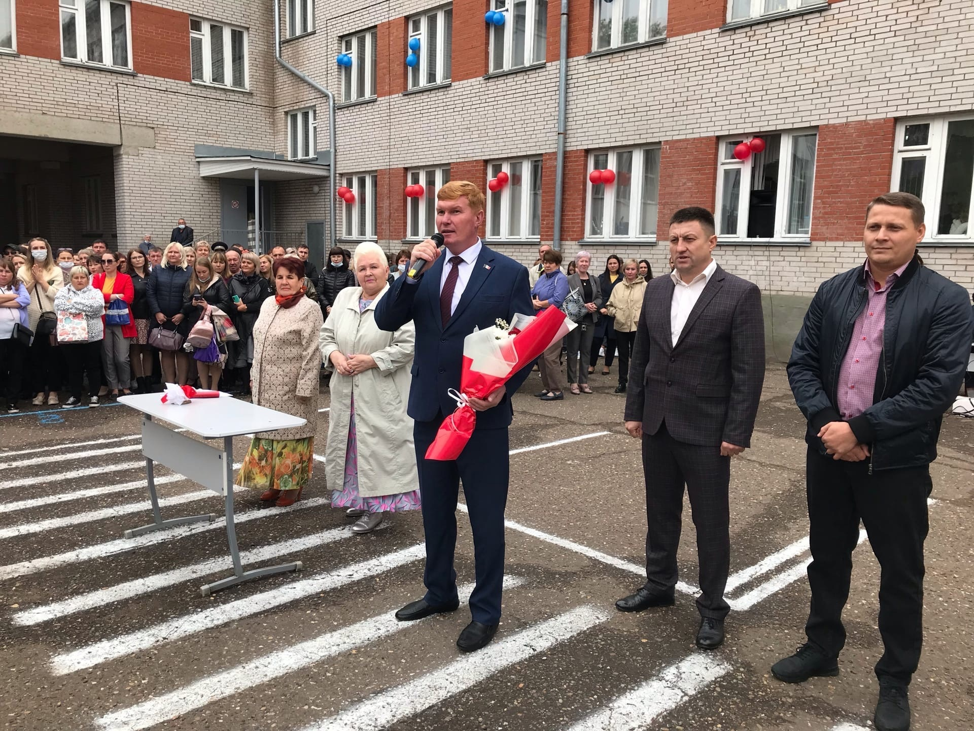 Ученики Веры Григорьевны, а ныне депутаты гордумы