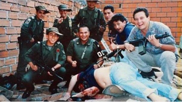 2 Декабря 1992 года, после 16 месяцев непрерывных поисков, был убит колумбийский нарко-босс Палло Эскобар, которого нашли и собственно застрелили в Медельине