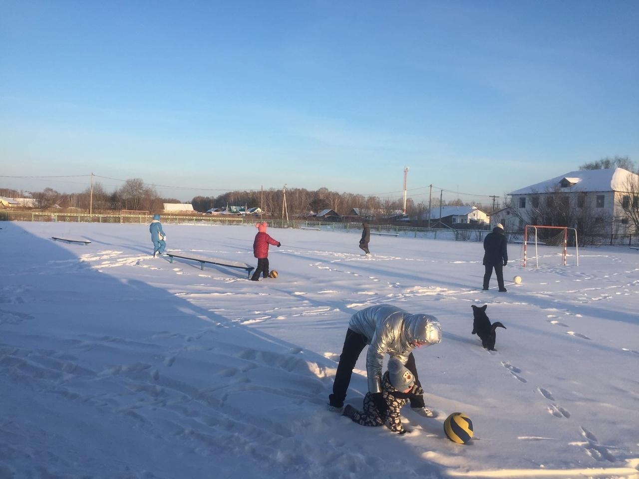 «Новогодними забавами» начали спортивный год жители Сорочкинского сельского поселения