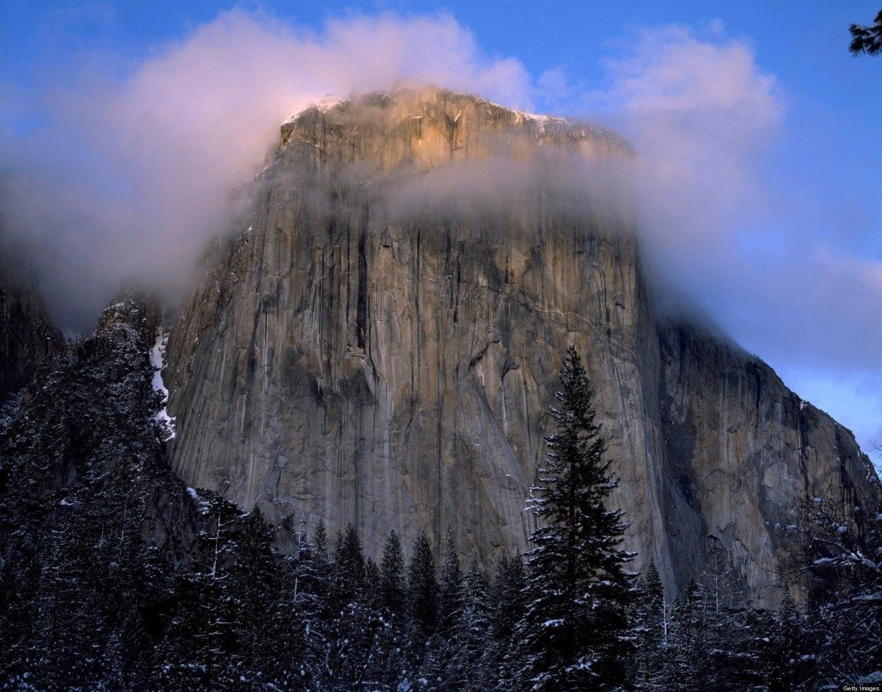 Одним из самых крупных монолитов США считается гора Эль-Капитан. Она возвышается...