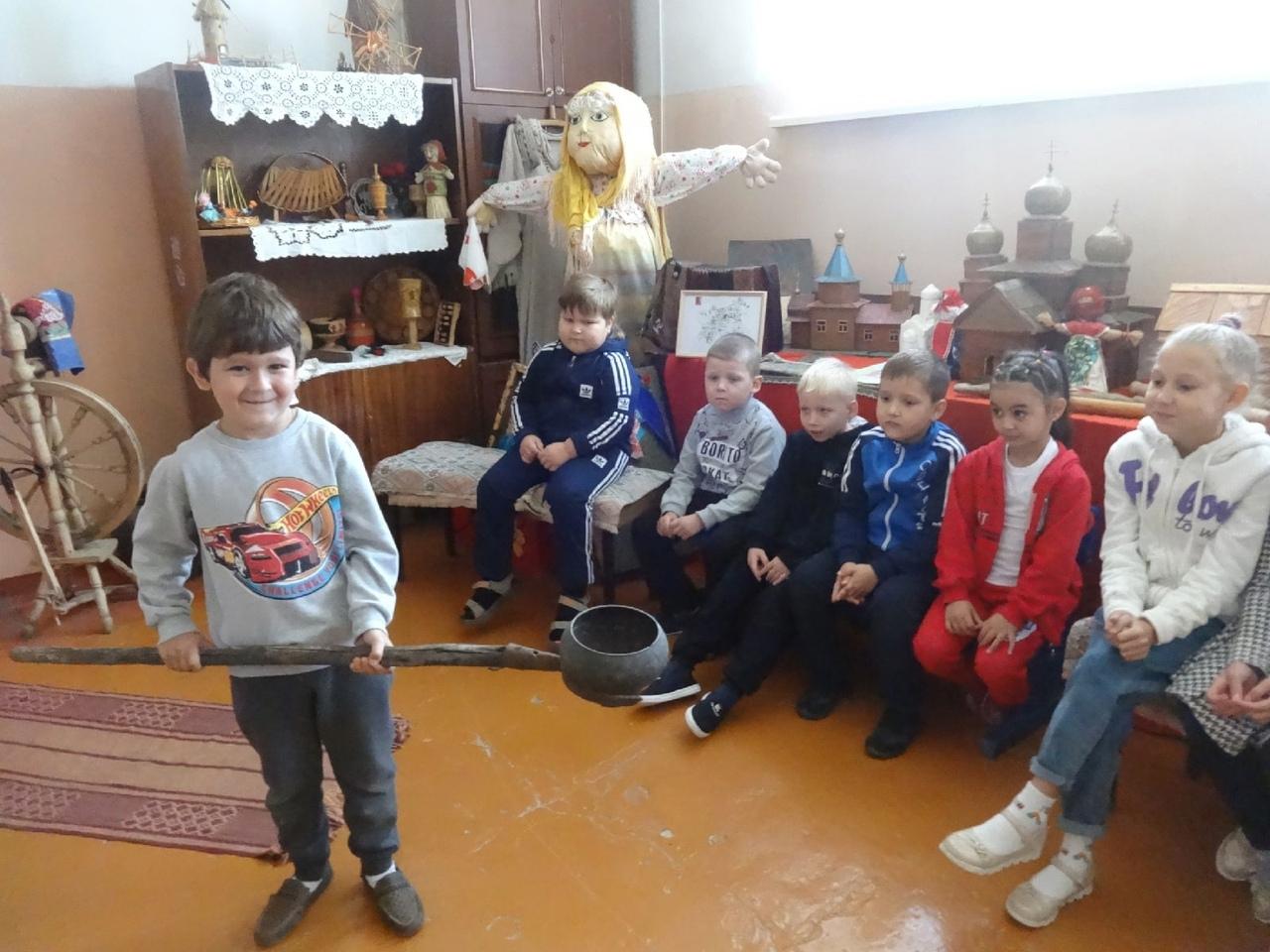 Воспитанники детско-юношеского Центра Петровска готовятся к Международному дню туризма