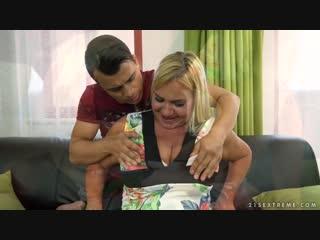 Lustygrandmas - pam pink come play with granny