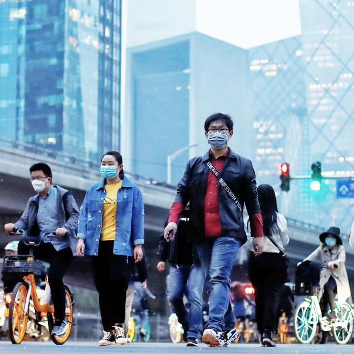 Считается, что впервые вспышка коронавируса произошла в китайском городе Ухань